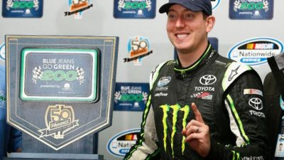 Kyle Busch wins rain-shortened race at Phoenix